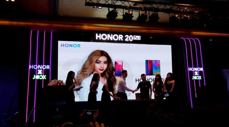 Launching New HONOR 20 Lite Smartphone Including Three Cameras